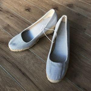 """NWOT Gap striped espadrille wedge pumps 3"""" heels"""